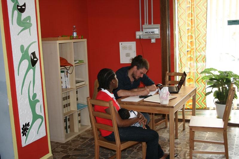 In Ragusa besuchten wir das Open House, das eine Tagesanlaufstelle für Flüchtlinge ist.